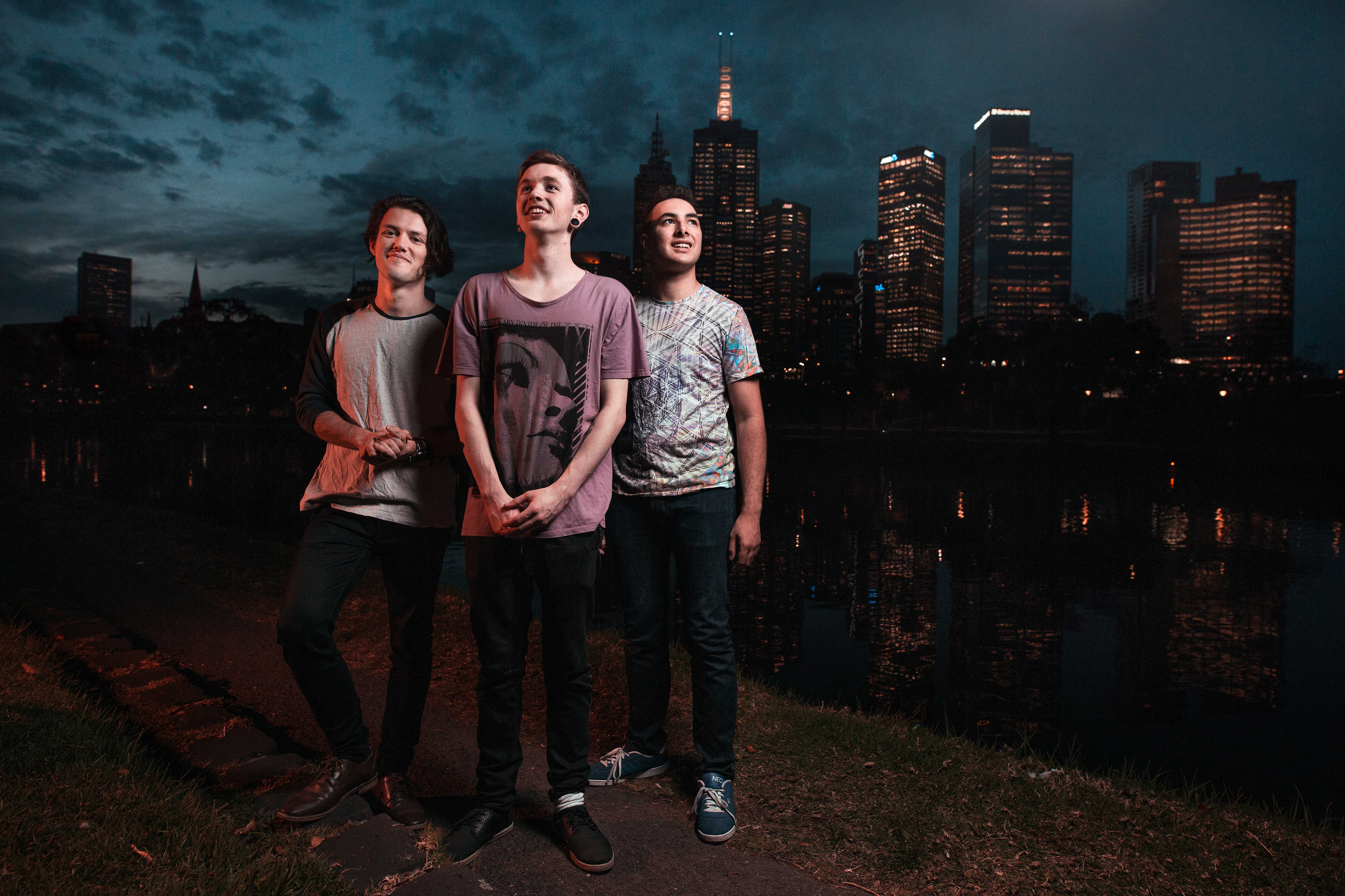 "The Omnific Leave Us ""Moonstruck"" With Their Latest Single"