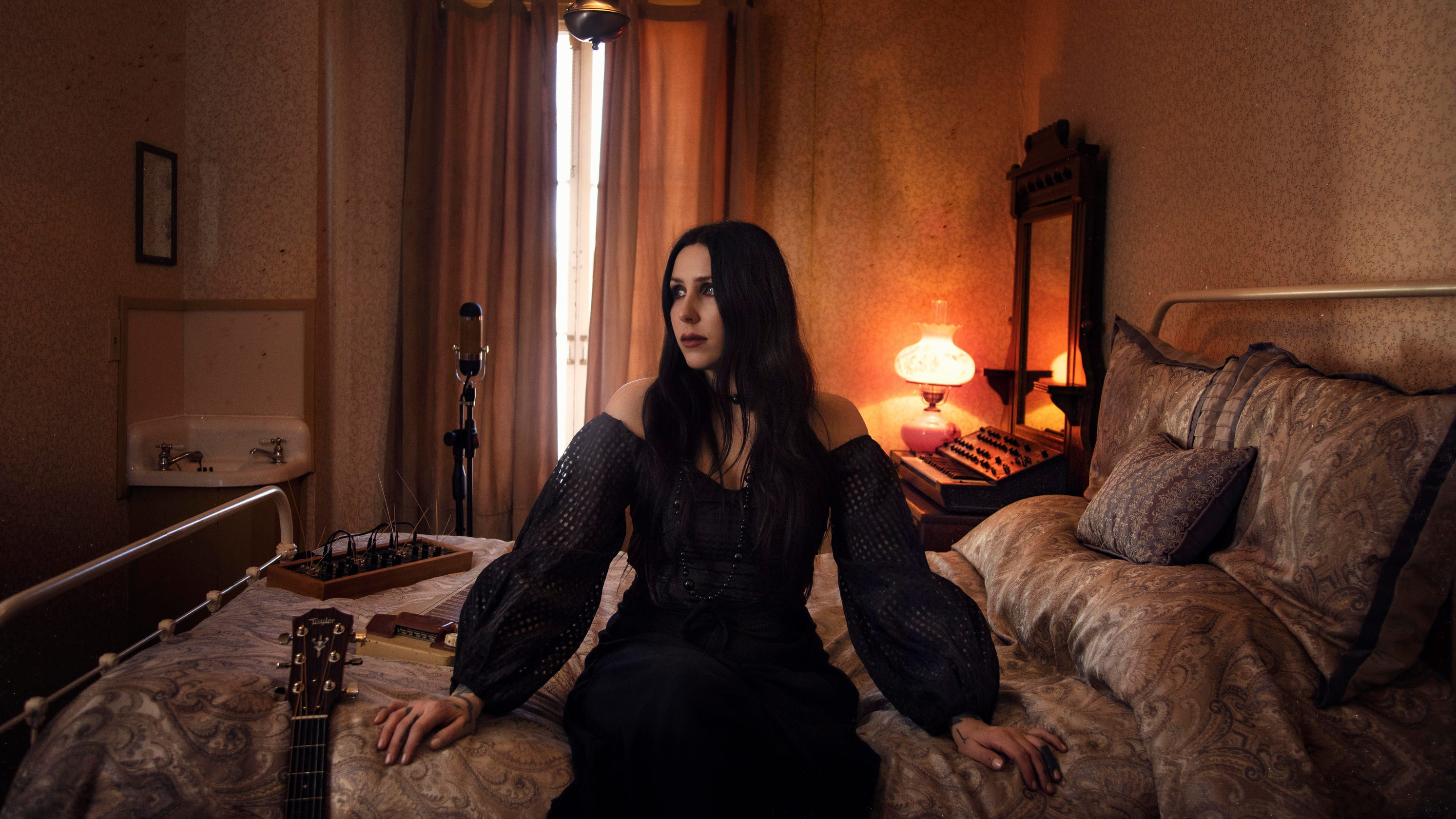 "Chelsea Wolfe – ""Birth of Violence"""