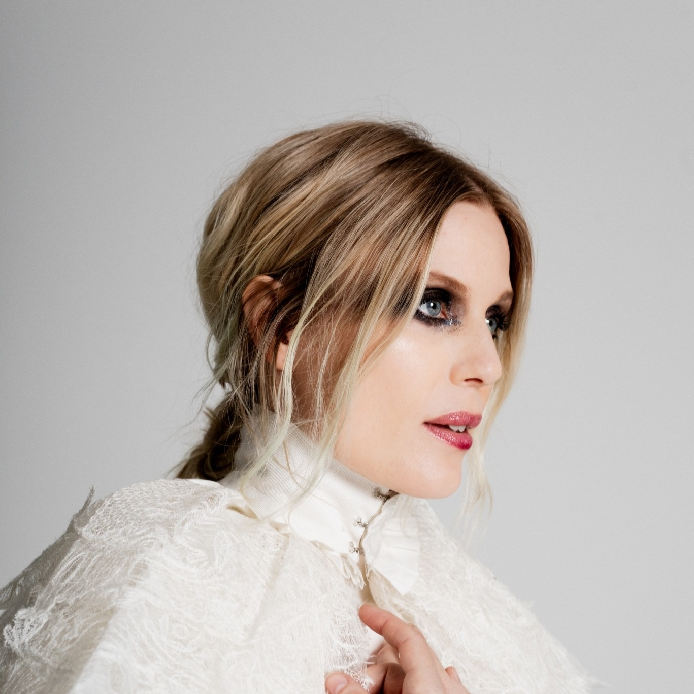 "Myrkur Takes a Change of Direction in a Folky New Track, ""Ella"""