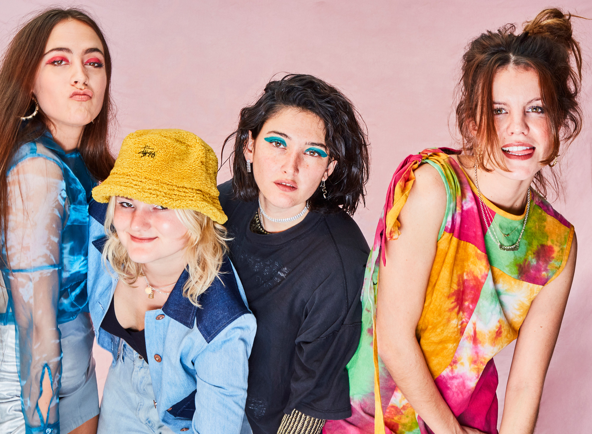 """Hinds – """"The Prettiest Curse"""""""