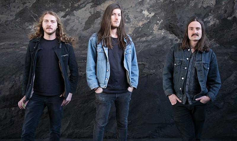 "Echolot's New Album ""Destrudo"" Brings Massive Doomy Autumn Vibes"