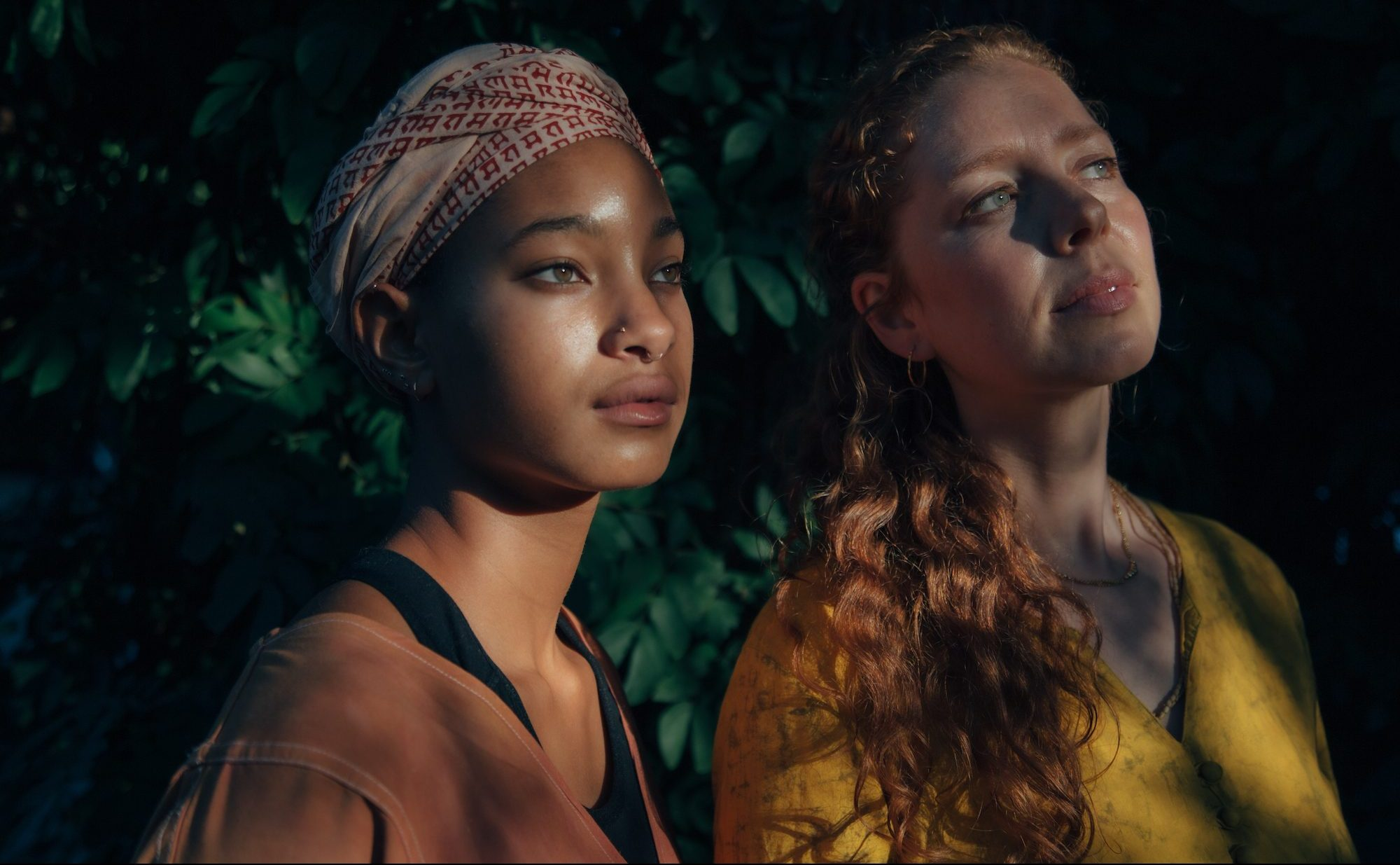 "WILLOW and Jahnavi Harrison – ""R I S E"""